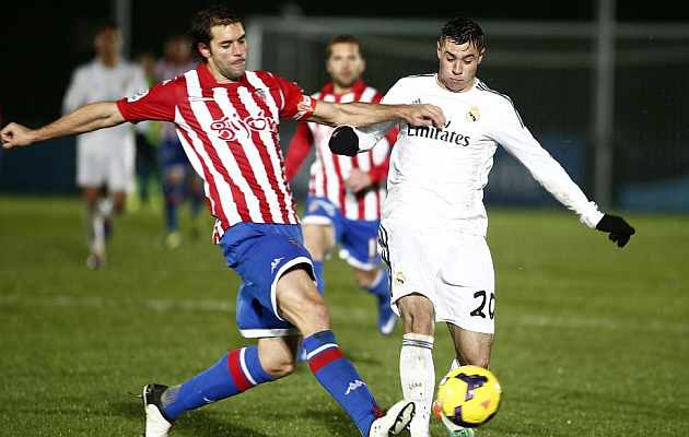 Jaime Romero en un partido del Castilla contra el Sporting. / José A. García