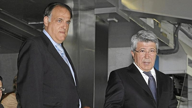Javier Tebas y Enrique Cerezo durante un acto. Foto: Chema Rey