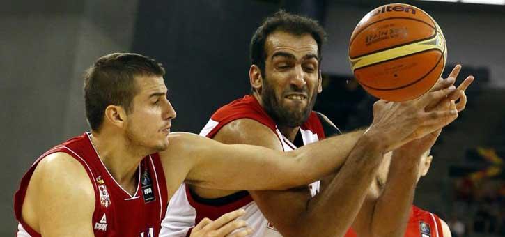 Serbia sufre pero gana a un buen equipo iraní