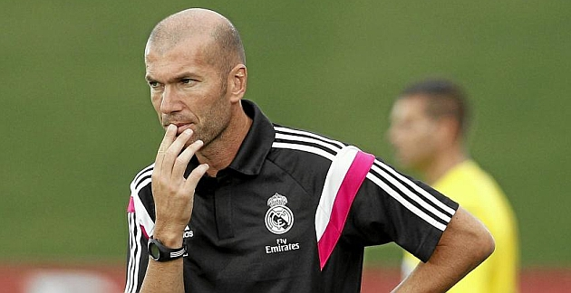 Abren expediente a Zidane