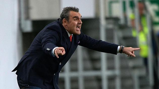 Attila Pintér durante el partido contra Irlanda del Norte que Hungría perdió 1-2. Foto: AFP