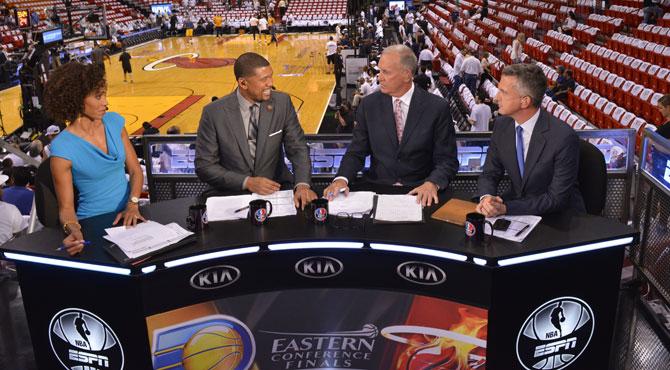 La NBA firma el contrato del siglo