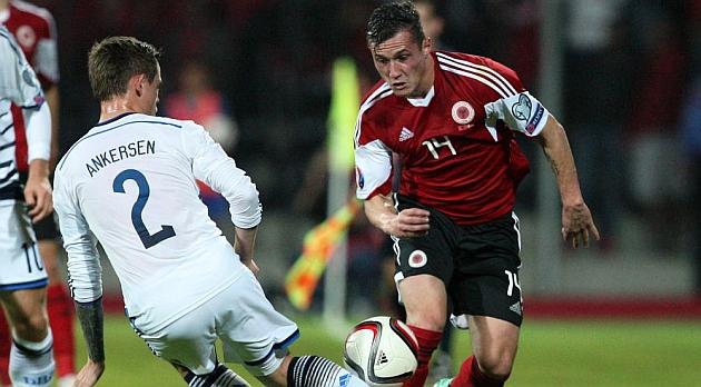Vibe salva el empate para Dinamarca contra Albania