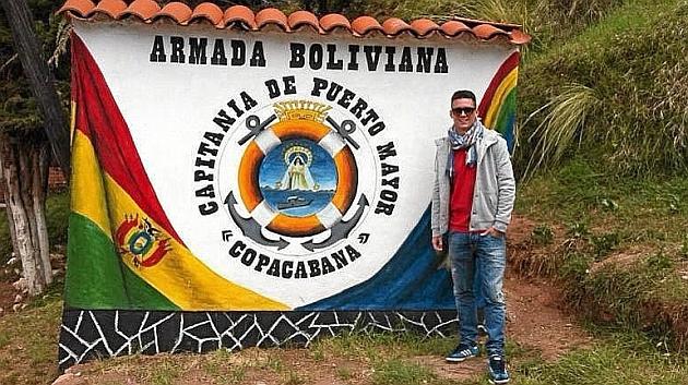 Juanmi Callejón (26), en un puesto de la Milicia boliviana