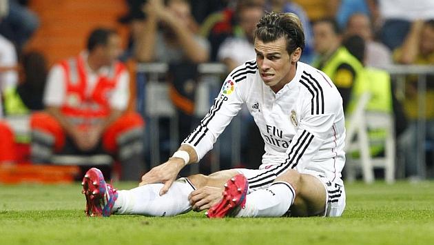 Bale putting eggs in Bar�a basket