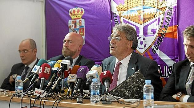 Germán Retuerta, presidente del Guadalajara, en una rueda de prensa del año 2013 / Nacho Izquierdo (Marca)