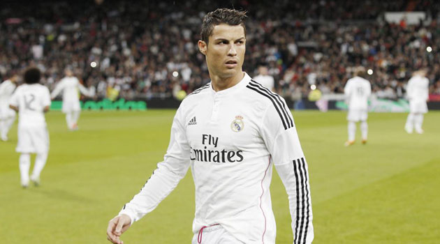 Bobby Charlton: Cristiano Ronaldo is changing the game