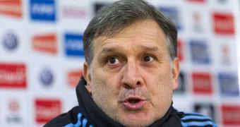 'Tata' Martino: Messi jugará como extremo derecho