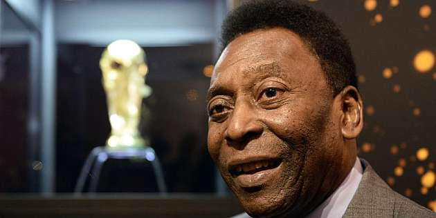 Pelé recibe el alta y sale del hospital