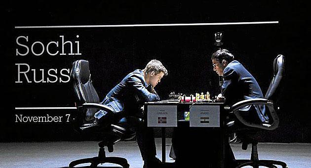 Carslen y Anand durante la partida.