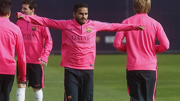Bar�a, right-back to square one with Douglas