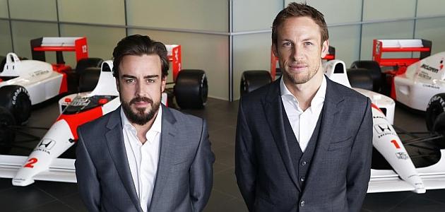 Alonso (33) y Button (34), en la fábrica de Woking. FOTO: RV RACINGPRESS
