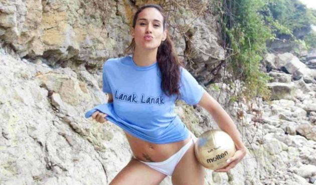 Sara Sarmiento (27) posando ante la cámara / Foto: Javier García