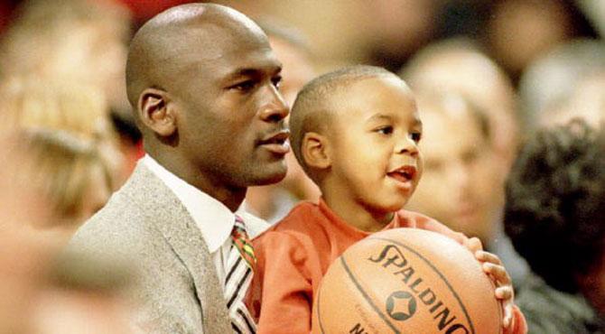 Retirado físico Sabroso  Noticias NBA: El hijo de Michael Jordan incendia las redes sociales  llamando