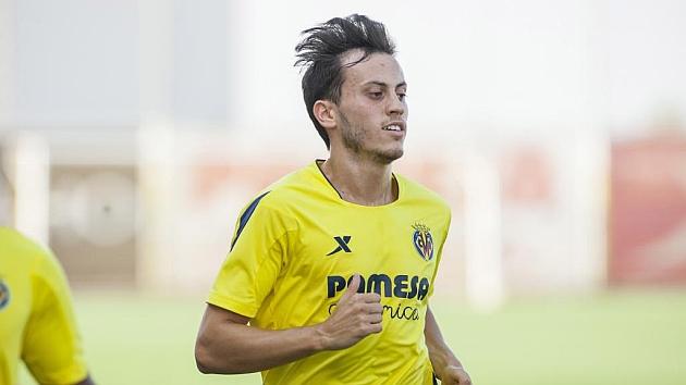 Javier Espinosa (22) durante un entrenamiento con el Villarreal. Foto: Carme Ripolles