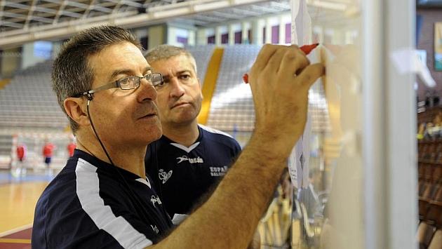 Manolo Cadenas en una concentración con la selección. FOTO: C. Hernández