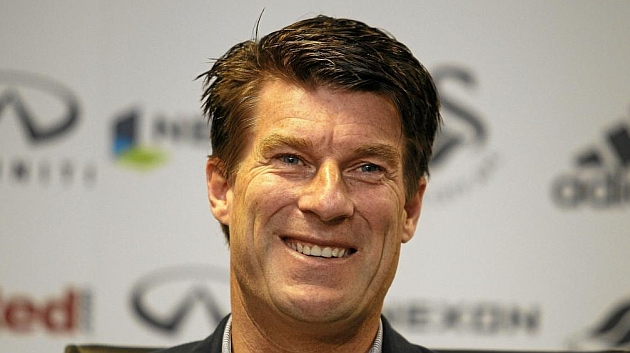 Laudrup: If Odegaard were my son, l'd send him to Holland