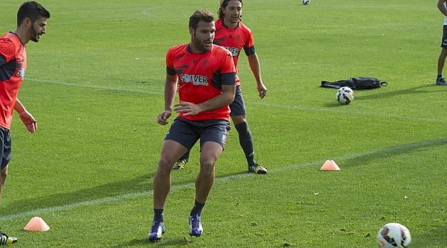 Ortuño, durante un entrenamiento con el Granada / Miguel A. Molina (Marca)