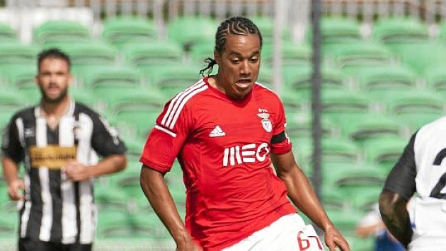 Hélder Costa en un partido del Benfica B / CARLOS VIDIGAL JR.