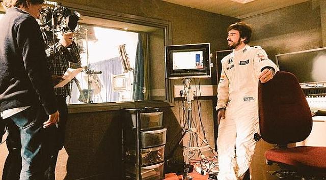 Fernando Alonso in all white