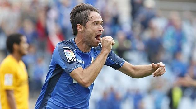 Míchel celebra un gol ante el Málaga. Foto: RAFA CASAL