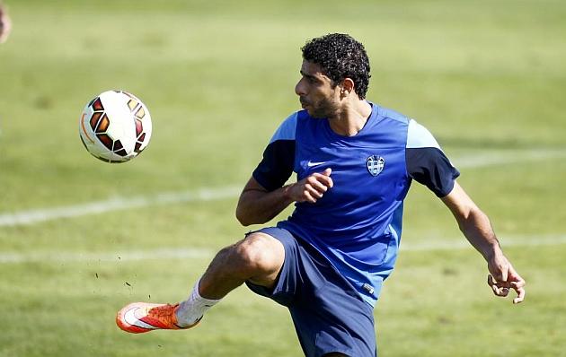 El Levante rescinde el contrato de El Adoua