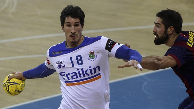 Álvaro Ruiz durante un partido frente al Barcelona / FRANCESC ADELANTADO (MARCA)