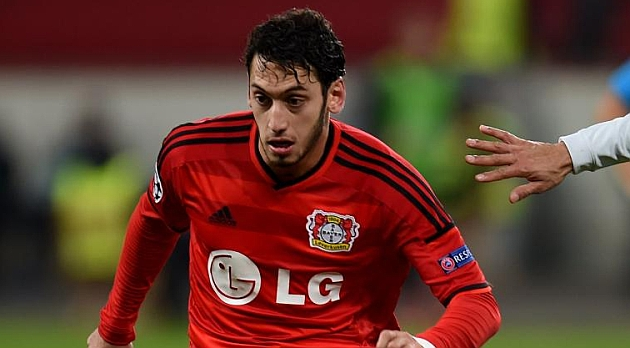 Calhanoglu isn't bothered by Barcelona's interest