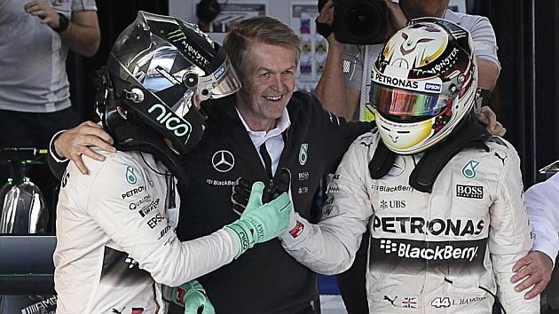 Doblete de Mercedes para empezar