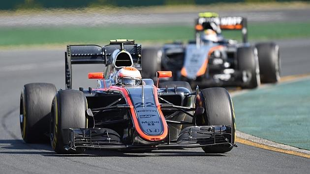 McLaren-Honda, último y sin puntos, da un gran paso en Australia