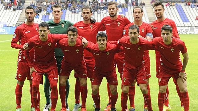 Once del Real Murcia, en el partido de la primera vuelta ante el Real Oviedo. Foto: Javier García