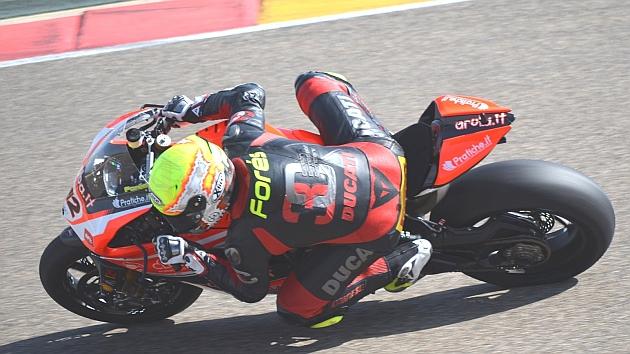 Xavi Forés, sobre la Ducati en MotorLand.