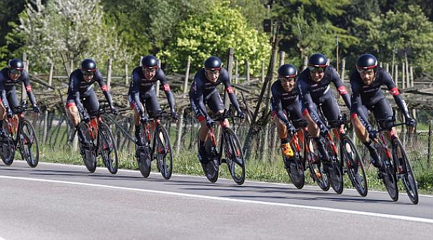 El equipo Bora durante la crono. FOTO: Prensa Bora - Aragon 18