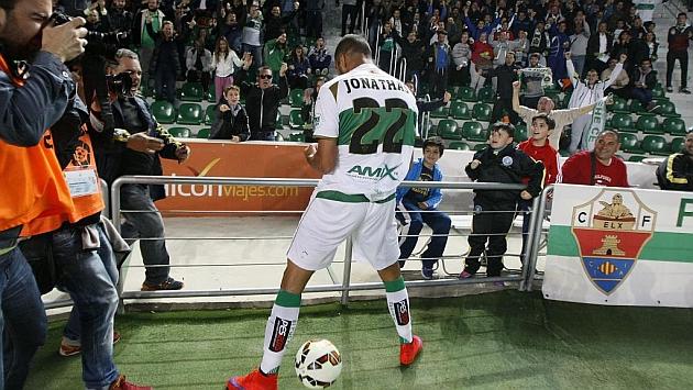 Jonathas celebra su gol ante la Real. Foto: Manuel Lorenzo