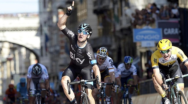 Viviani sprints to Giro d'Italia second stage victory