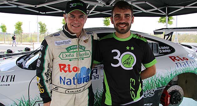 José Calvar, el nuevo jefe de mecánicos del 'Vallejo Racing', se encargó de dirigir todo el proceso.
