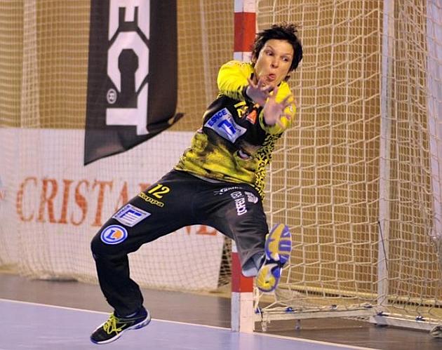 La portero hispano-brasileña del Fleury francés Darly Zoqbi. Fotos: Fleuryloirethandball.com