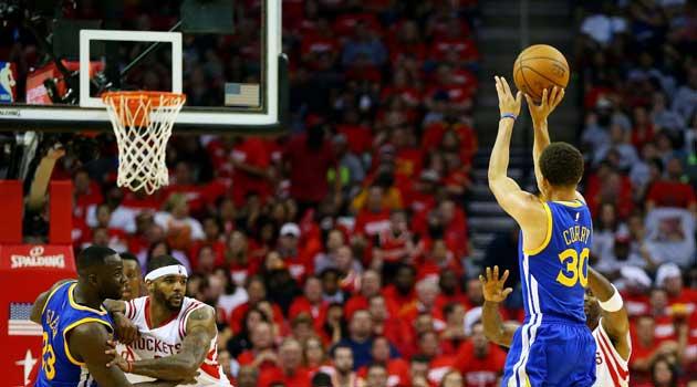 Histórico Curry: Nunca nadie metió tantos triples en playoffs... y lo que le queda