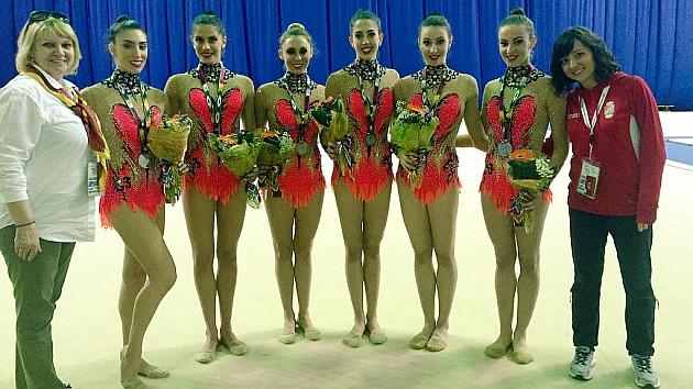 Anna Baranova, Sandra Aguilar, Lourdes Mohedano, Lidia Redondo, Alejandra Quereda, Artemi Gavezou, Elena López y Sara Bayón. Foto: Twitter @S_bayon