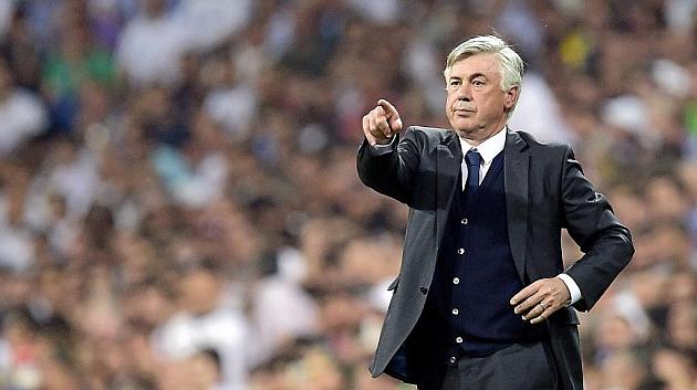 Ancelotti, en un partido en el Santiago Bernabéu. Foto: AFP