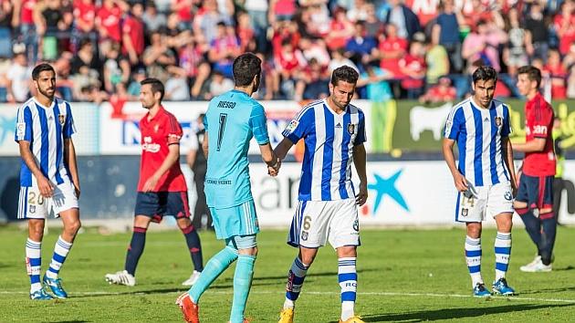 Los jugadores del Recreativo, tras consumar el descenso / Daniel Fernández (Marca)