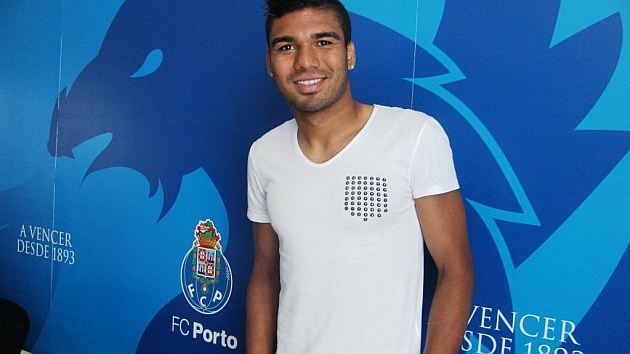 Real Madrid re-sign Casemiro