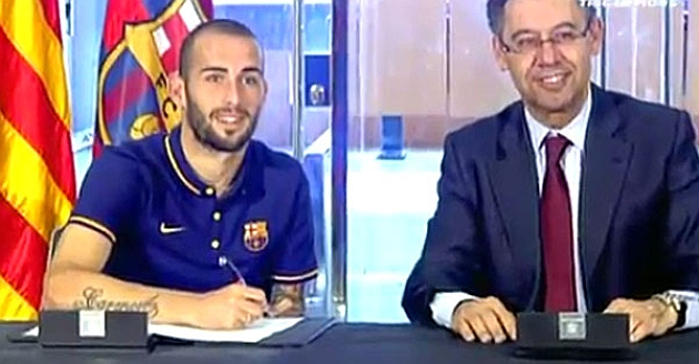 Aleix Vidal signs contract