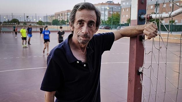 Prieto posa para Marca en las instalaciones deportivas donde entrena a equipos infantiles. Foto: J. P. Yáñez