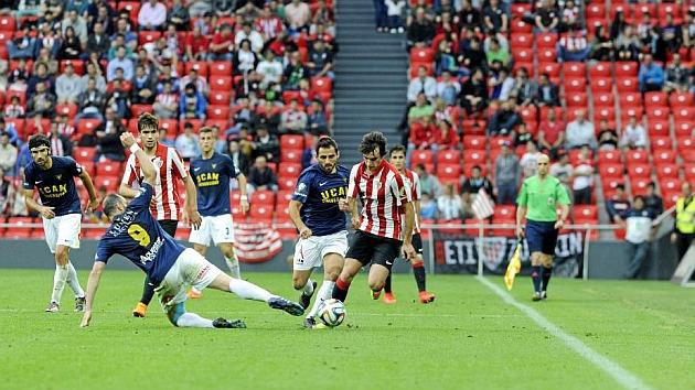 Lekue deja atrás a un rival del UCAM Murcia en el partido que abrió la eliminatoria en San Mamés