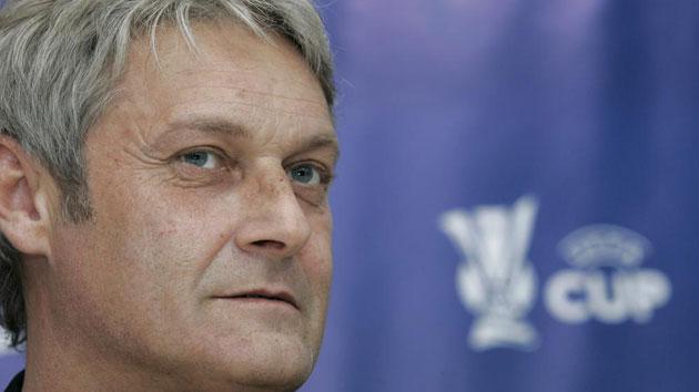 Armin Veh, nuevo técnico del Frankfurt