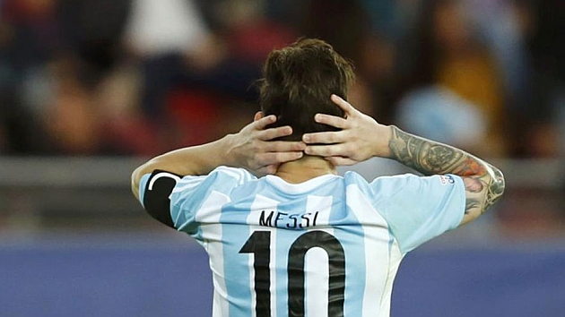 Messi refuses man of the match award against Paraguay