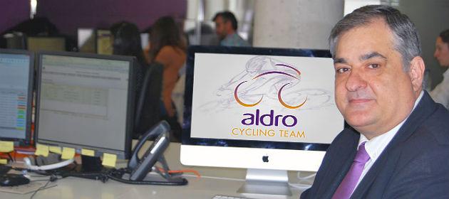 Manolo Saiz, en las oficinas de Aldro en Torrelavega. / Aldro