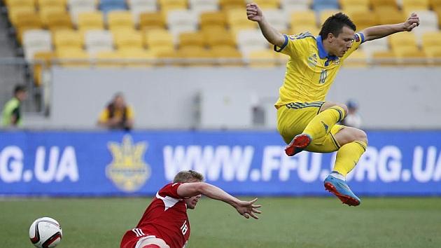 Konoplyanka hace un salto espectacular en un partido. REUTERS