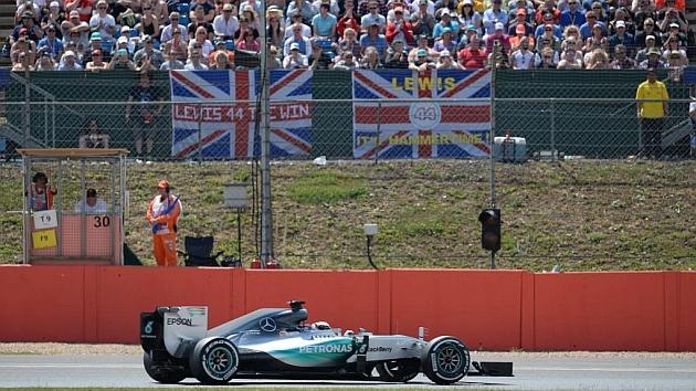 Hamilton logra su pole 46 y Carlos Sainz saldrá octavo